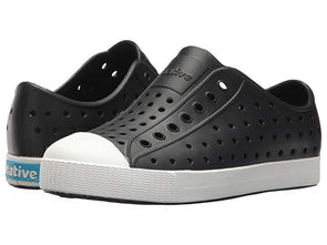 Native Junior Slip On in Jiffy Black