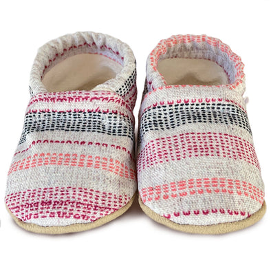 Clamfeet Crib Shoes in Hannah