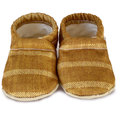 Clamfeet Crib Shoes in August