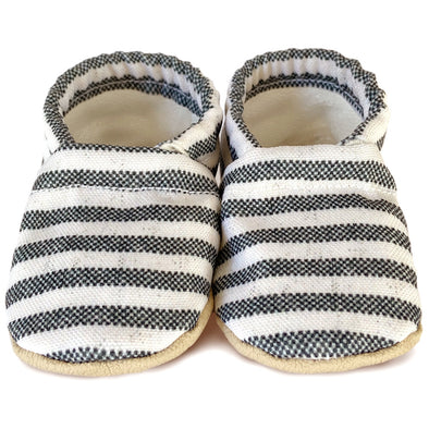 Clamfeet Crib Shoes in Riley