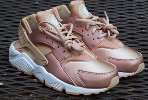 Nike Huarache Gold Rose