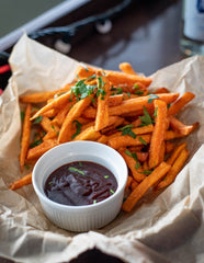 This BBQ sauce will not ruin your healthy eating plan so you weight loss diet can stay on the right tracks. It's the perfect substitue sauce, designed by our nutritionist for weight loss. Eat with your own meal prep or even with sweet potato chips