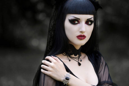 How has gothic fashion evolved over the years? (1990s)