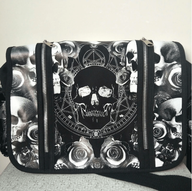 Skull N' Roses Shoulder Bag