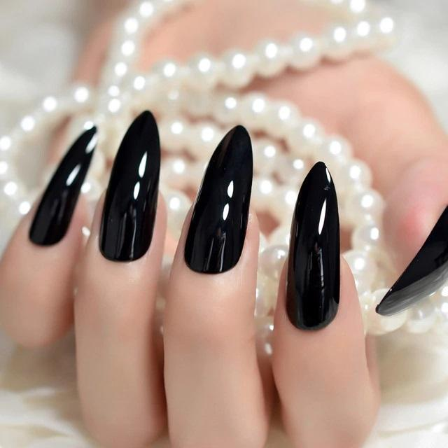 Aesthetic Sharp Nails