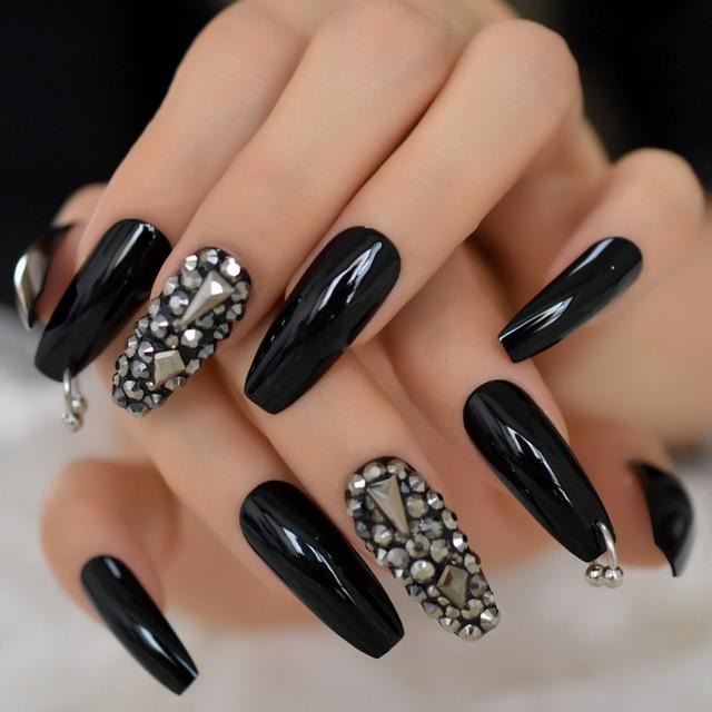 Aesthetic Stygian Nails