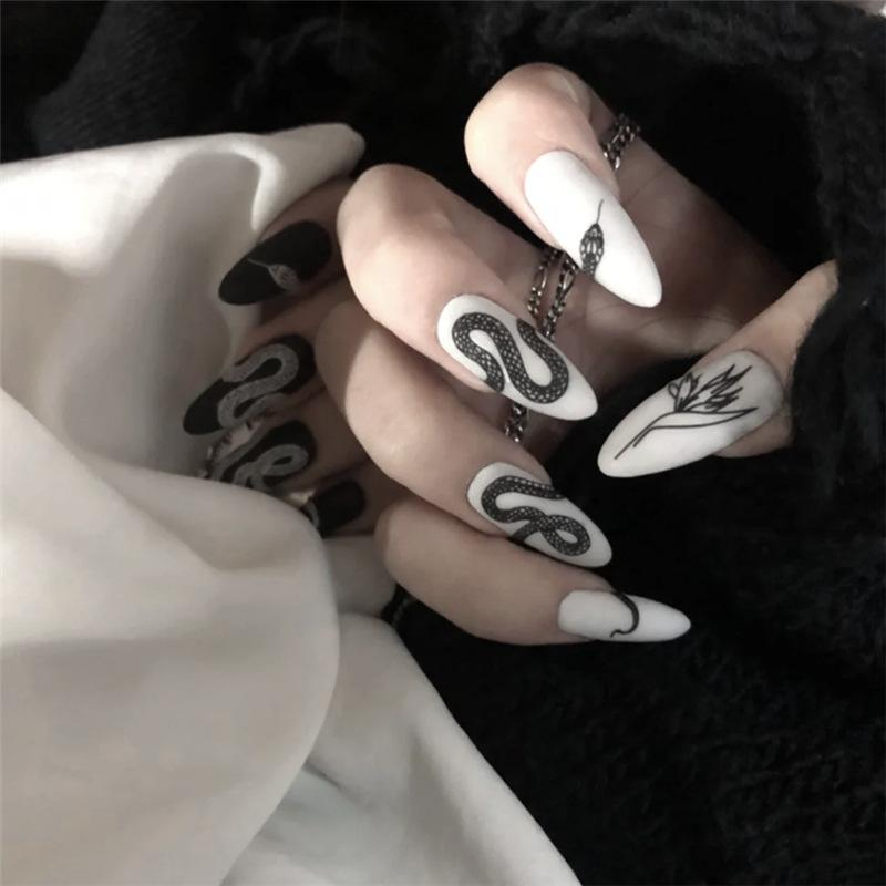 Aesthetic Snake Nails