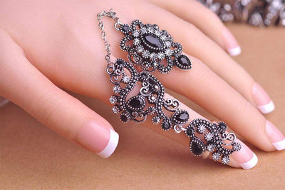 Sweet Thang Gothic Ring