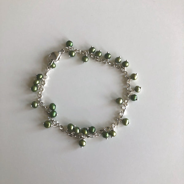 SS Chain Bracelet Green Pearl drops by Cassie Leaders - © Blue Pomegranate Gallery