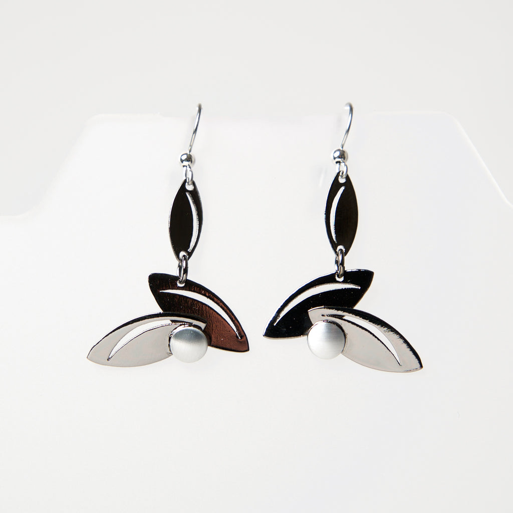 Hook Earrings HU632 by Christophe - © Blue Pomegranate Gallery