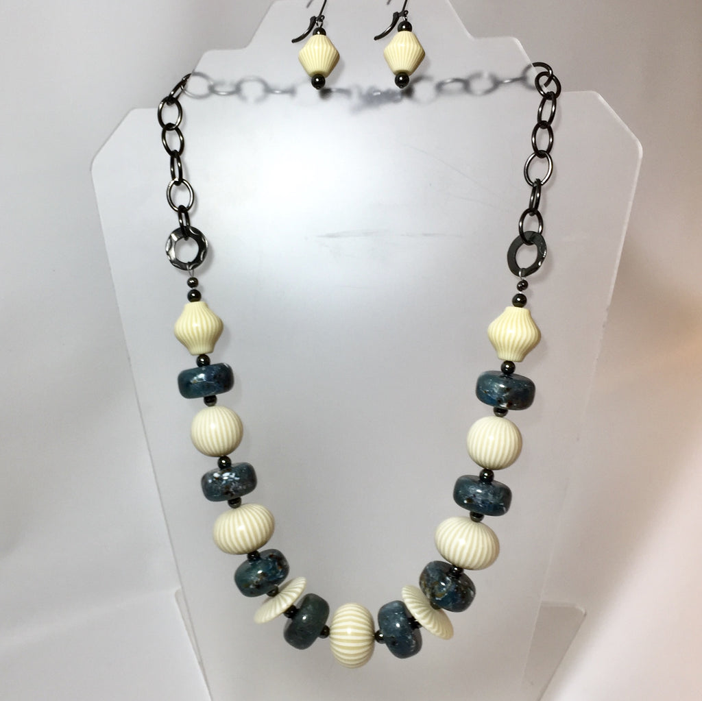 Caro Necklace by Stephanie Heller Durr - © Blue Pomegranate Gallery