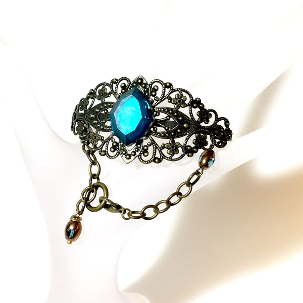 Nessa Bracelet, Teal,  by Stephanie Heller Durr - © Blue Pomegranate Gallery