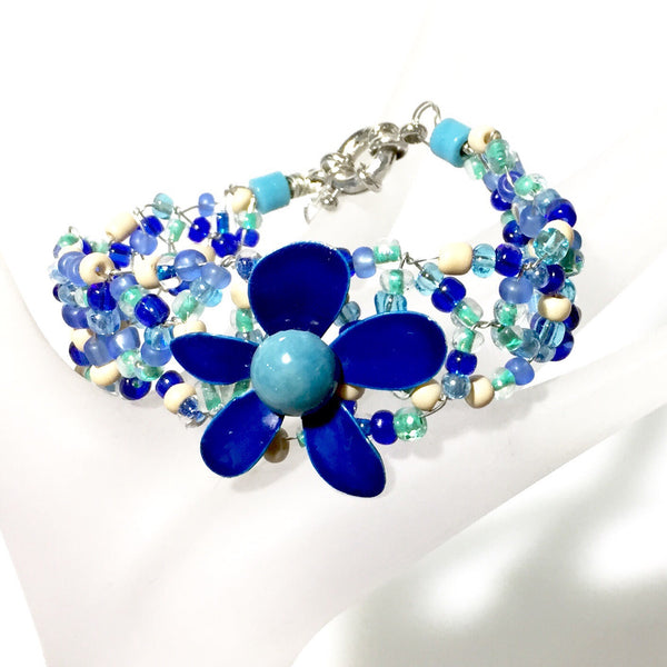 Daisie Bracelet by Stephanie Heller Durr - © Blue Pomegranate Gallery