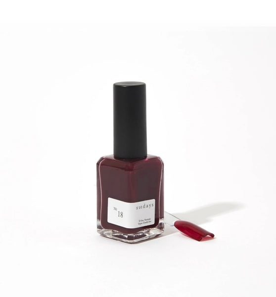 No 18 | Deep Plum - Sundays Nail Polish