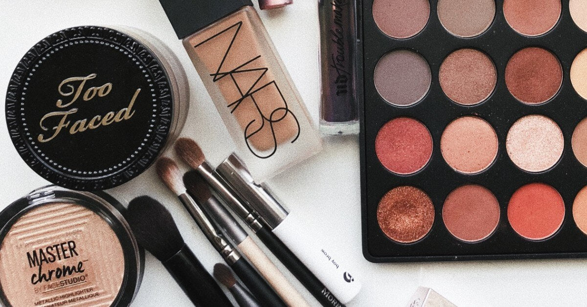 Tips for Packing Makeup When Leaving for a Trip