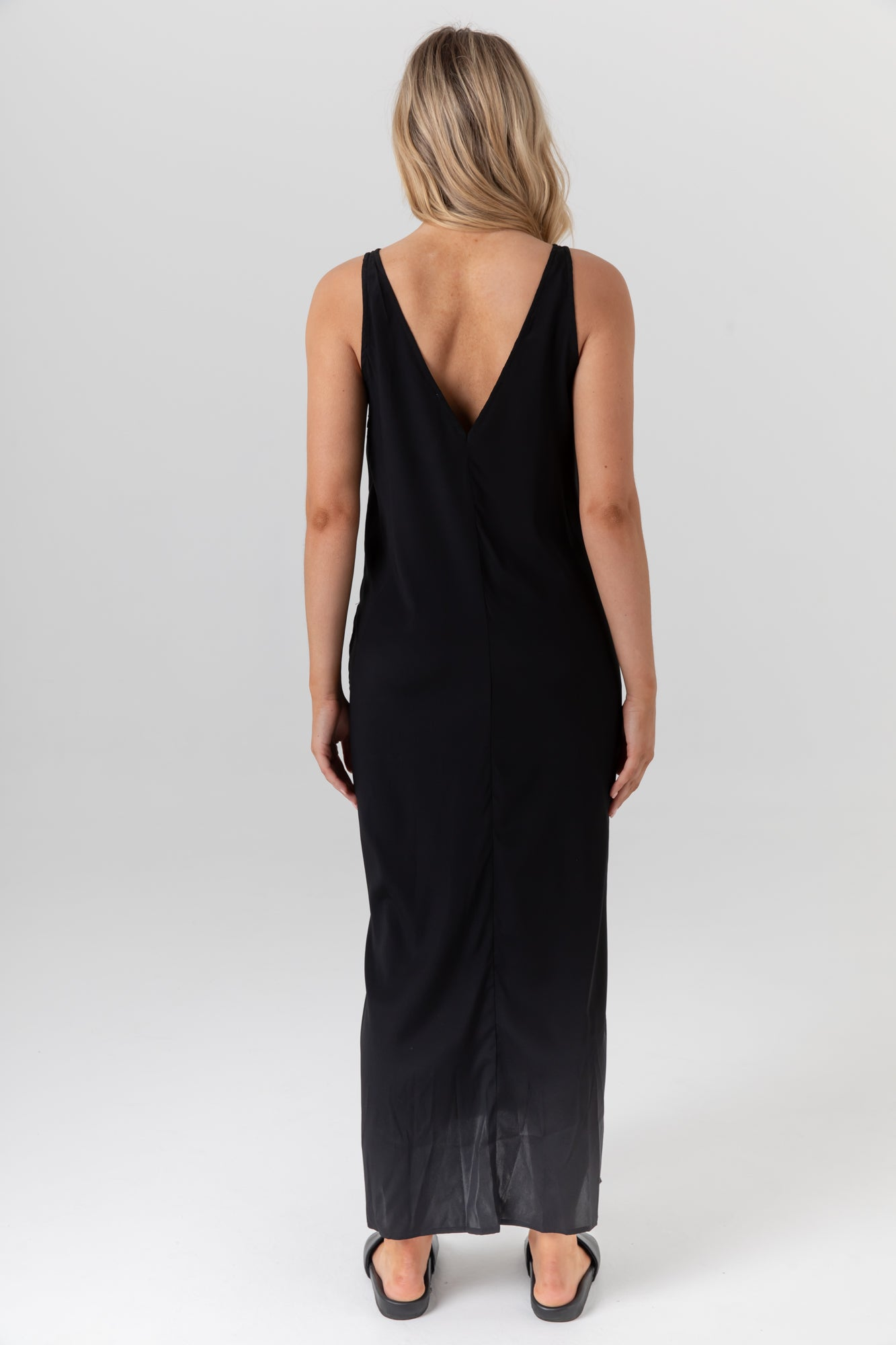 Indie Silk Dress II (Black) - LEGOE.