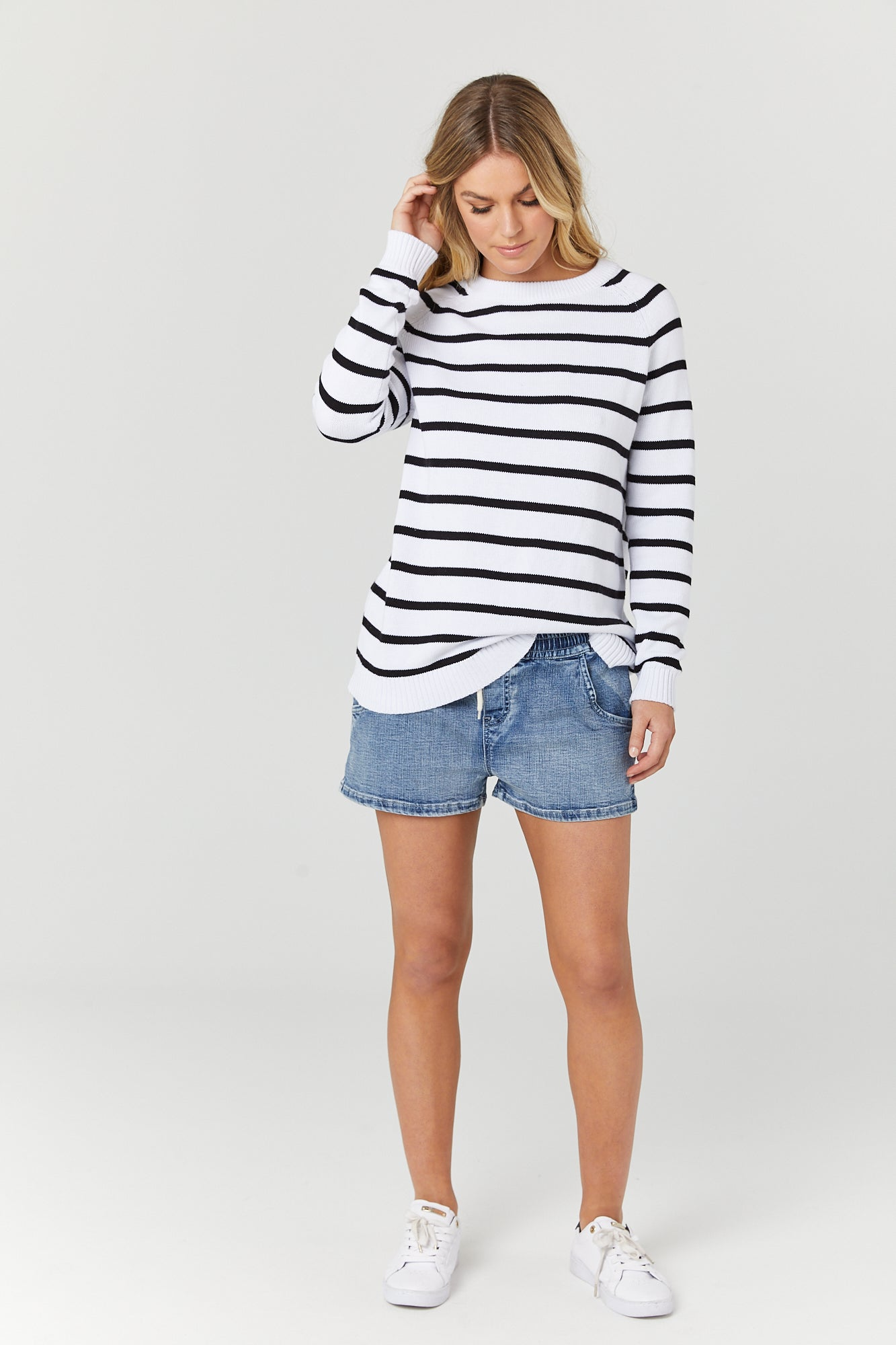 Bateau Crew Knit (White/Black Stripe) - LEGOE.