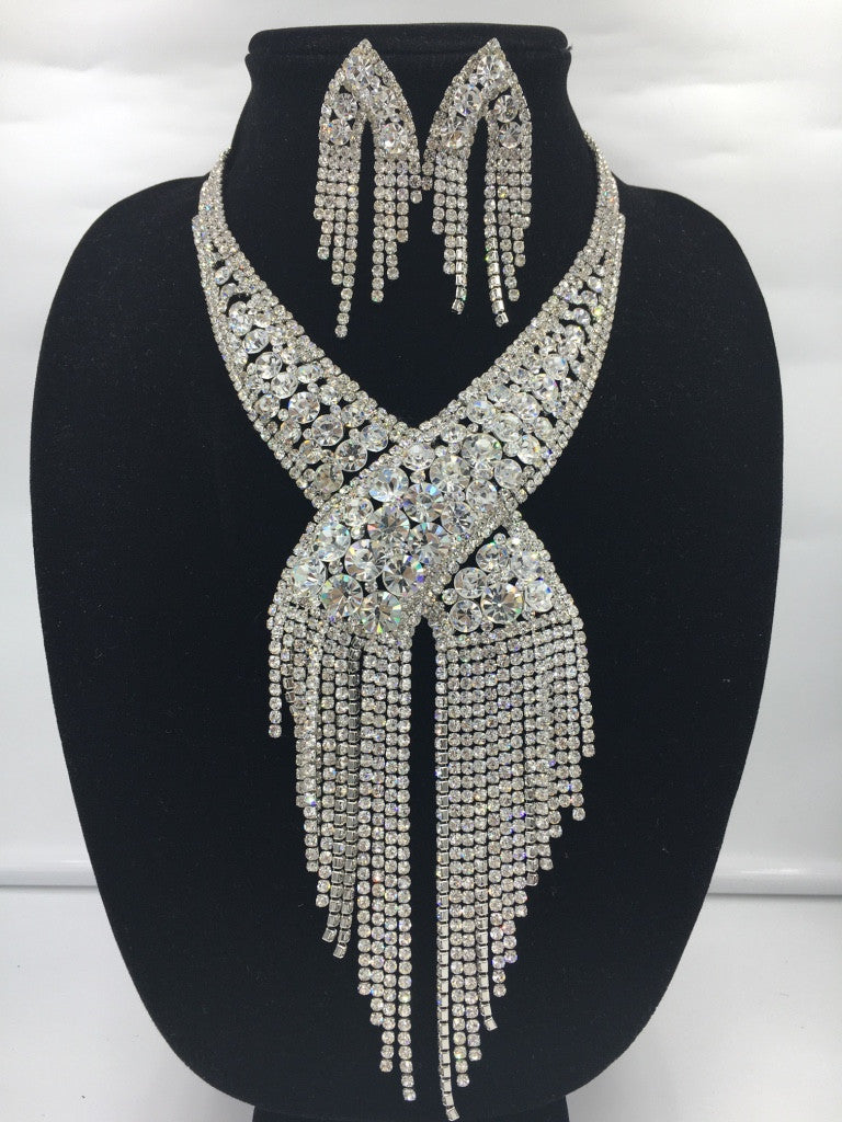 Exquisite Bling Fringe Necklace Set!
