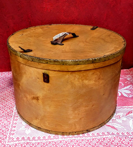 1900 Wooden Russian Drum Case