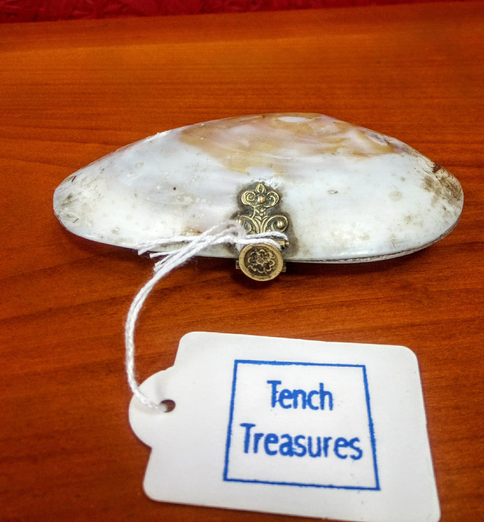 Vintage Shell Coin Purse