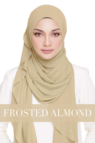 LADY WARDA - FROSTED ALMOND