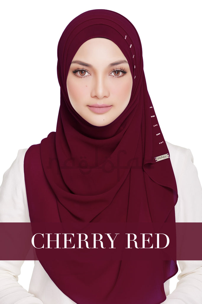 QUEEN WARDA - CHERRY RED