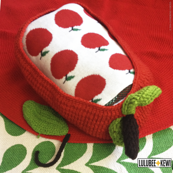 Apple Hand Knit Play Mat - LuluBee+Kewi