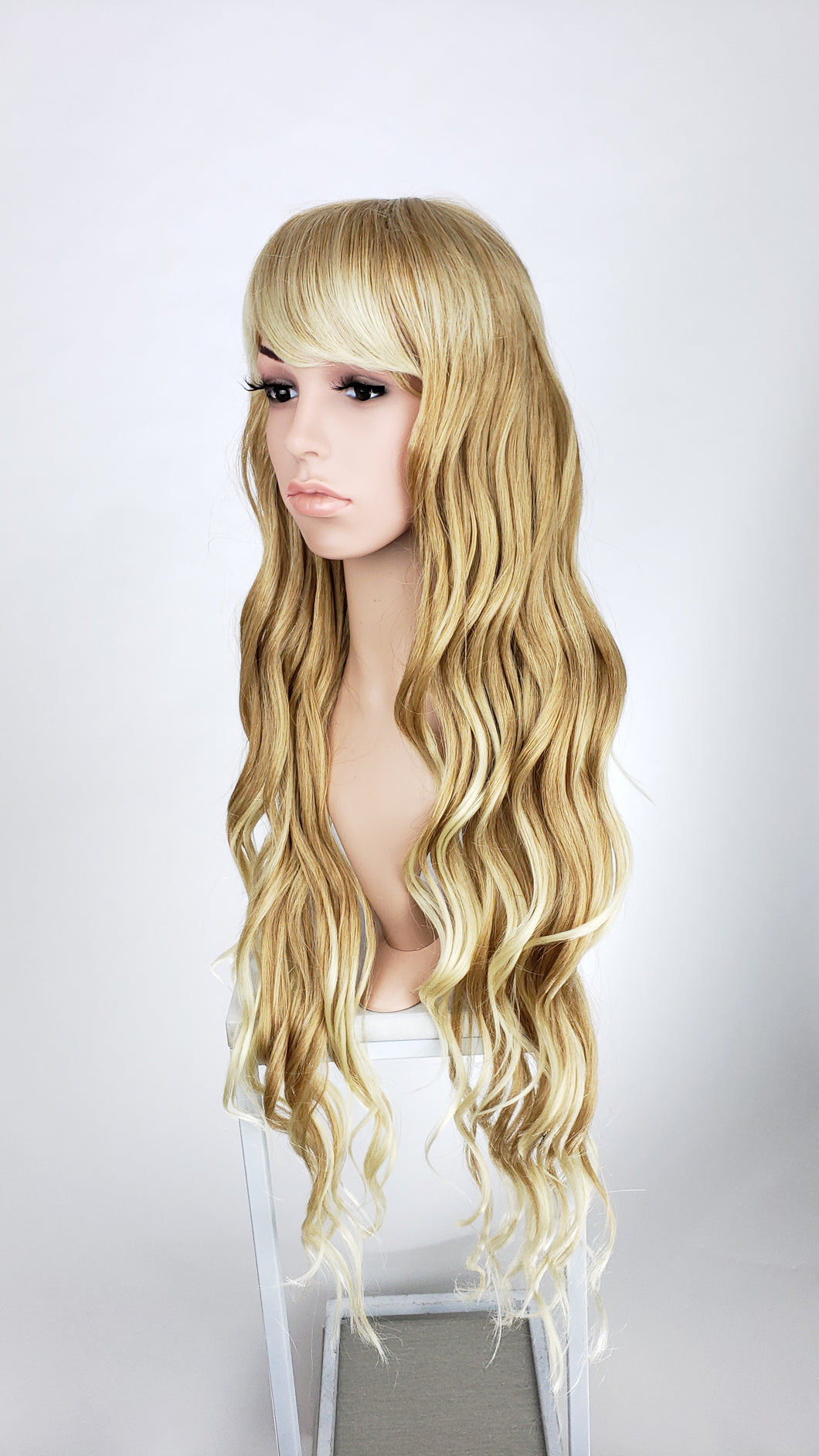 Pose Wigs Strawberry Blonde Ombre Long Curly with Bangs Fashion Wig HSSAH91