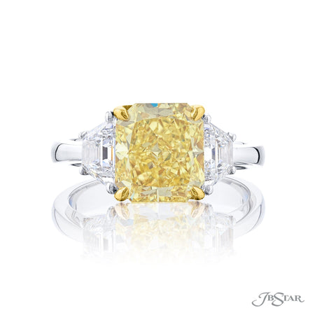 4675-160 | Fancy Yellow Diamond Ring Radiant-cut 4.02 ct GIA Certified Front View