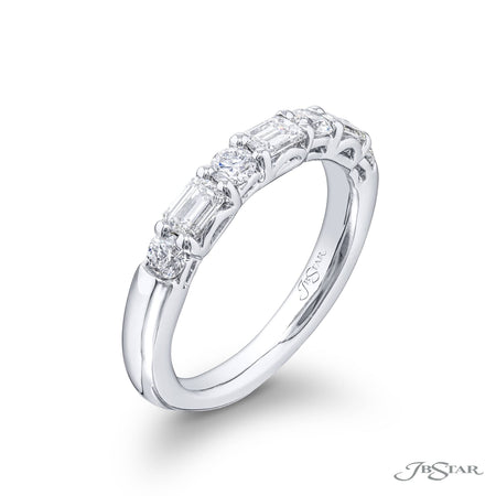 5462-001 | Diamond Wedding Band Emerald-Cut & Round 0.53 ctw. Side View