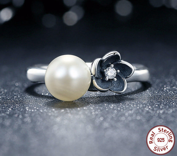 Sterling Silver Mystic Flower Ring with White Pearl - CrumelsWorld