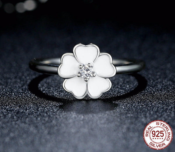Sterling Silver Luminous Floral Ring - CrumelsWorld