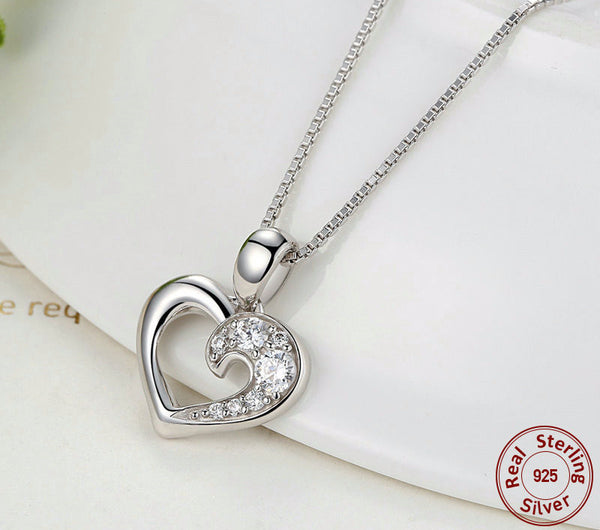 Sterling Silver Romantic Heart Pendant & Necklace - CrumelsWorld