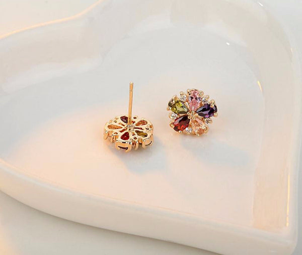 Petite Chrysanthemum Stud Earrings - CrumelsWorld