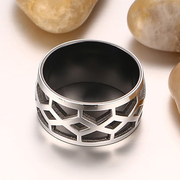 Stainless Steel Black & Silver Grid Style Ring - CrumelsWorld