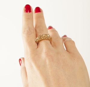 3d printed ring on woman's hand