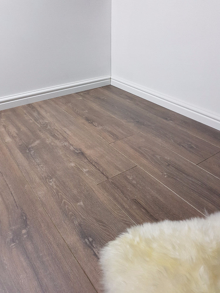 Chelsea Extra Laminate Avenue Oak