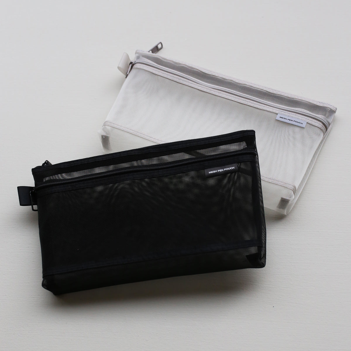 products/CLmeshpenpouch_Gray_02.jpg