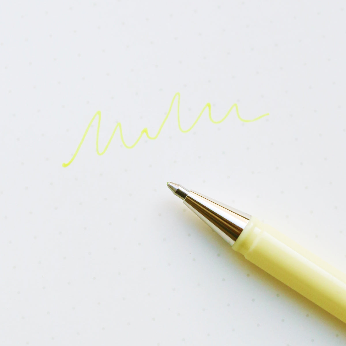 products/Hybrid_milky_gel_pen_Pastelyellow_02.jpg