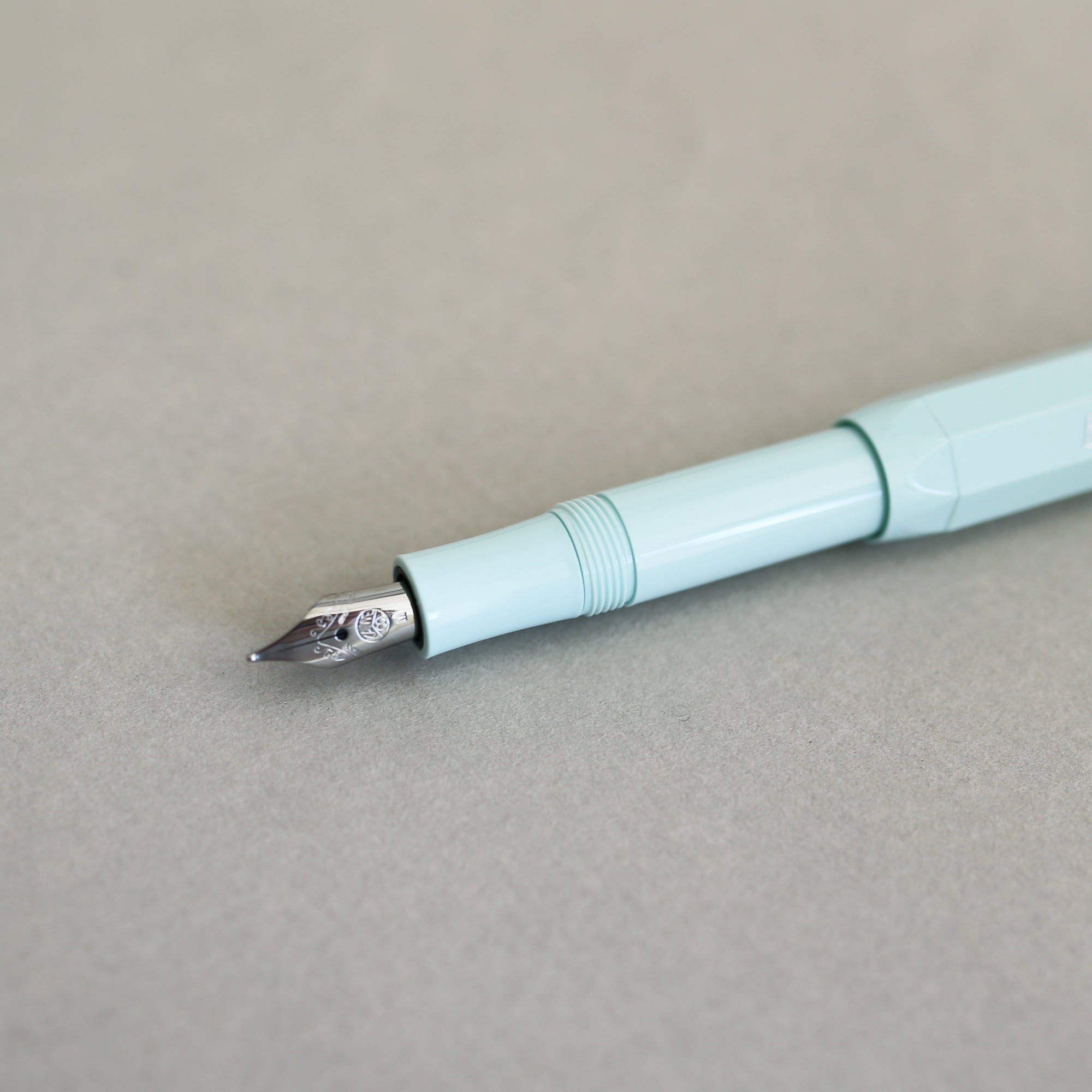 KAWECO CLASSIC SPORT FOUNTAIN PEN M // MINT