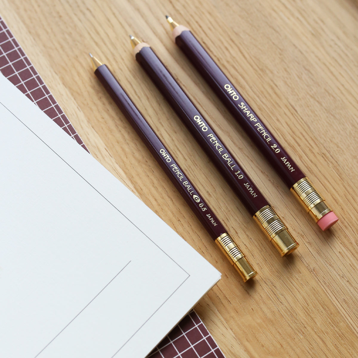 products/PencilBallpointpengel_0.5mm_Burgundy_02.jpg