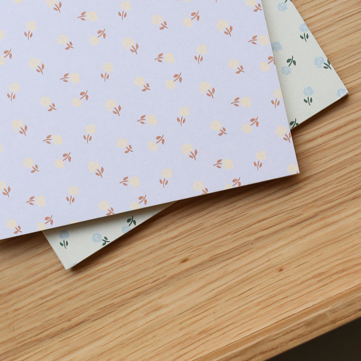 SMALL NOTEBOOK // SMALL FLOWER CREAMY GREY