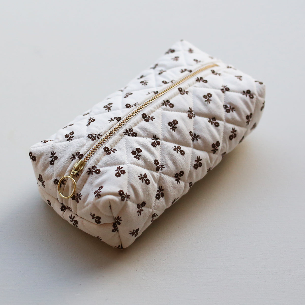 MAKEUP BAG // BROWN FLOWERS