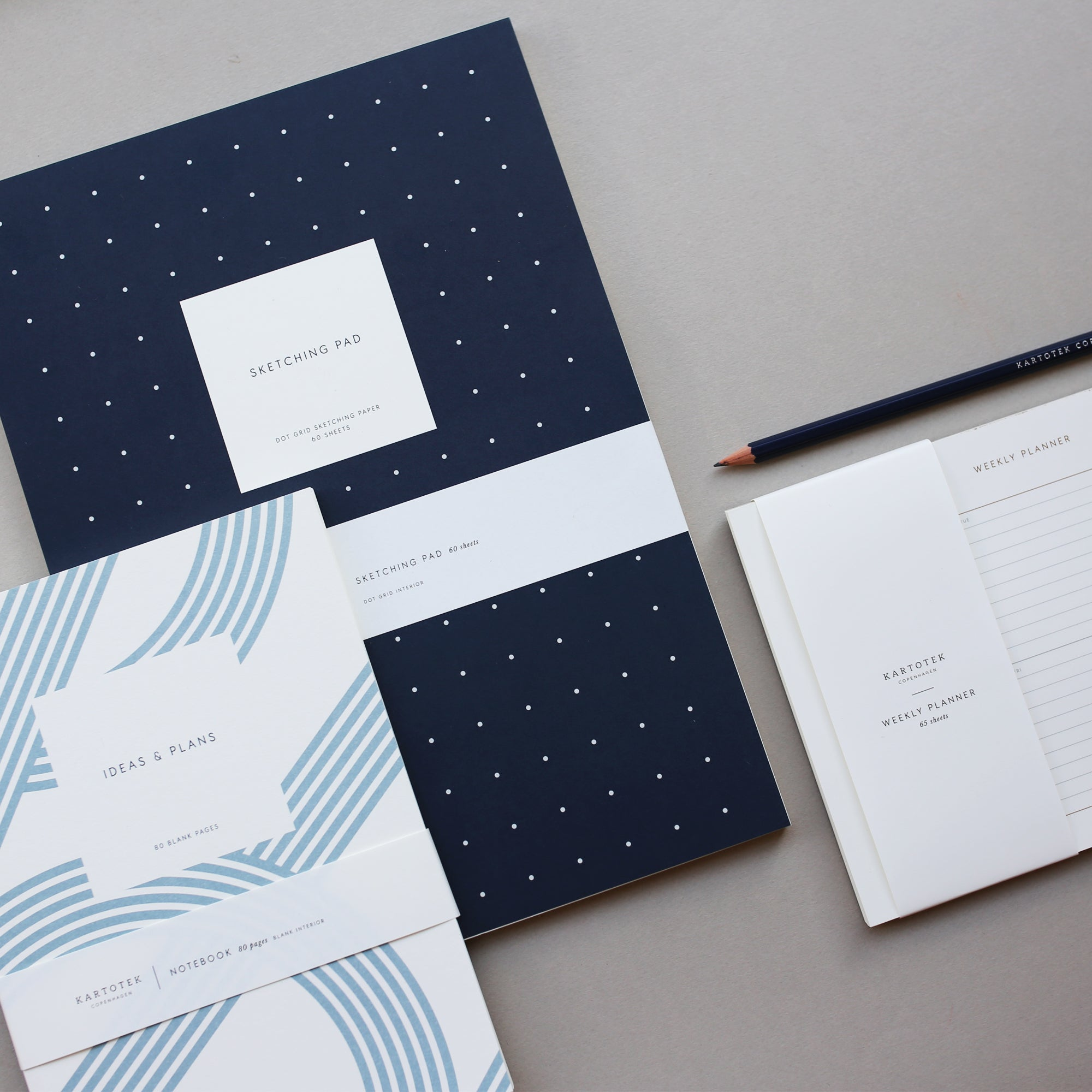 NOTEPAD WITH COVER / SKETCHING PAD / DOTS - NAVY