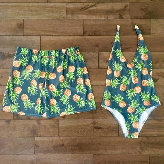 Dark pineapples - Couple Swimsuits - women and men