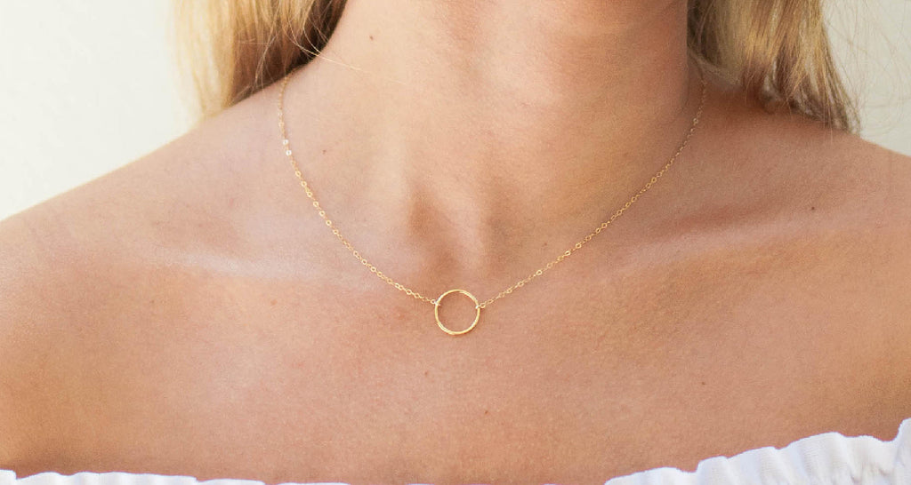 Everyday Dainty Gold Circle Necklace