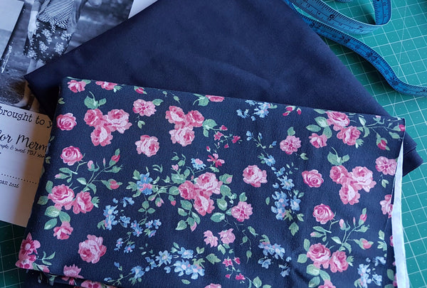 Rosebuds - cotton lycra - 170cm wide