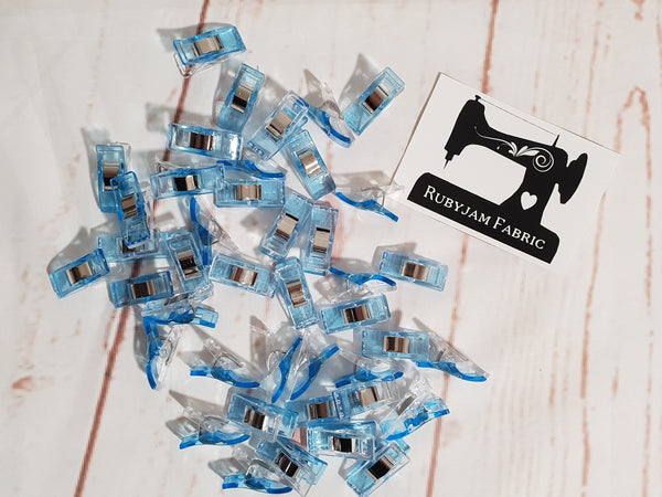 Pack of 25 Wonder Clips for stretch knits, quilts, etc