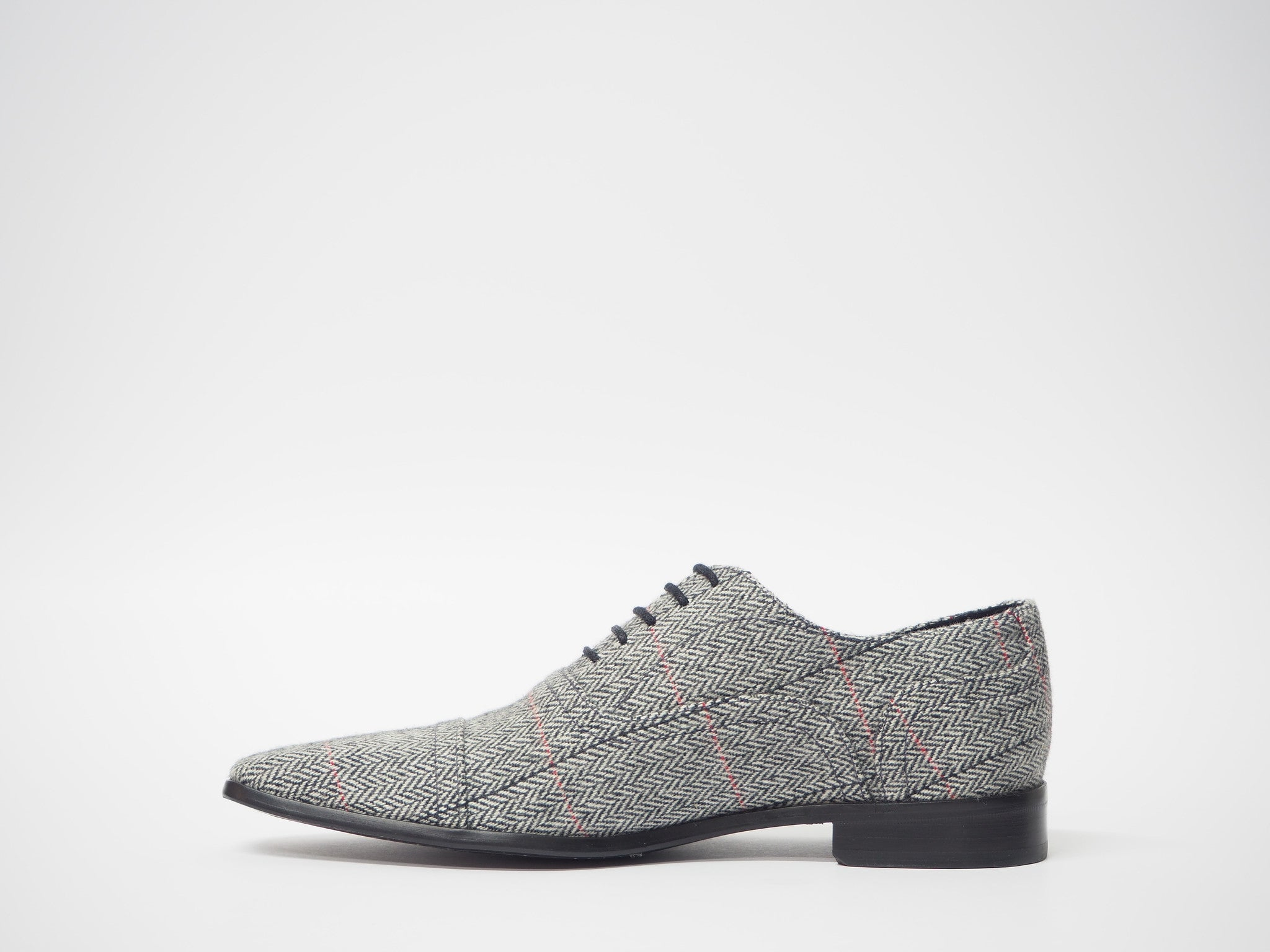 Size 42 - Gray & Red Herringbone Oxford + Belt