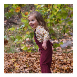Beachside Shorts in Summer Sand